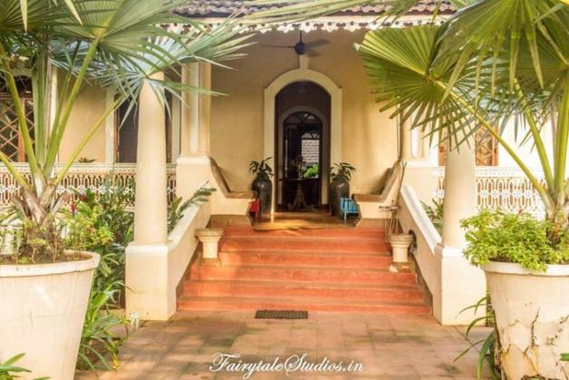 Main Entrance_Vivenda Dos Palhacos_Major
