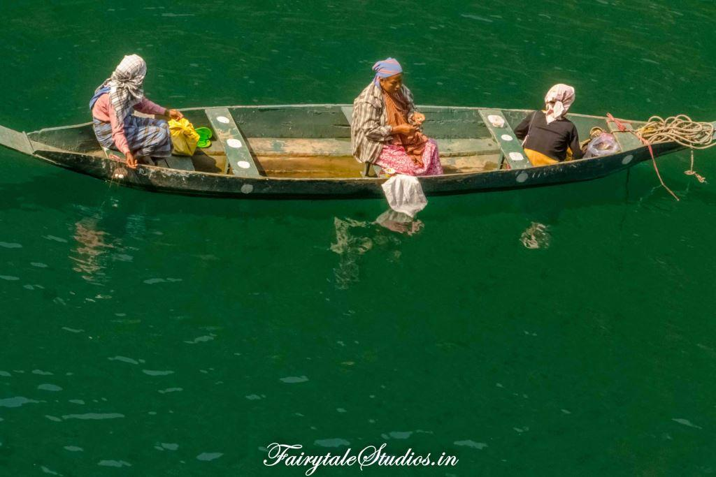 Green hues of river_Umngot river_Meghalaya Odyssey_Fairytale Photo blogs (5)