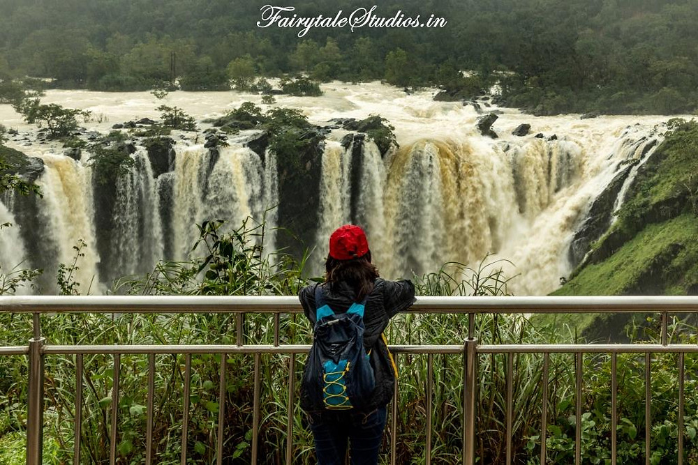 Enjoying the view of the incredible Jog Falls, Karnataka - India