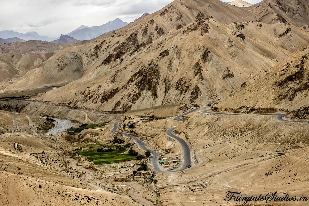 National Highway 1 on way from Lamayuru to Kargil (The Zanskar Odyssey travelogue)