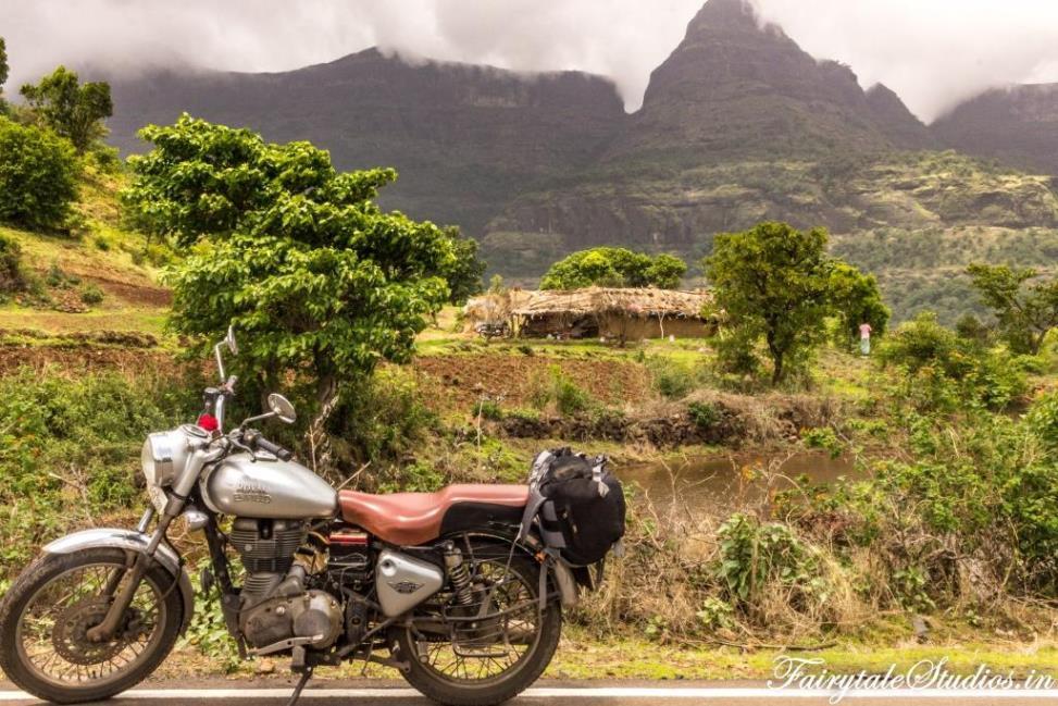 On a road trip to Purushwadi, Maharashtra - India