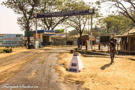 8. Tamabil zero point - India Bangladesh Friendship gate_The Meghalaya Odyssey_Fairytale Travel blog.jpg