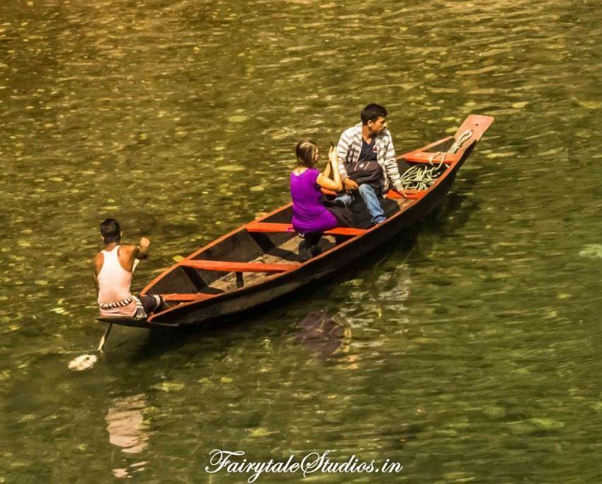 Boats at river banks in Dawki_Umngot river_Meghalaya Odyssey_Fairytale Photo blogs (4)