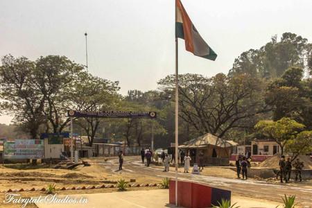 9. Tamabil zero point - India Bangladesh Friendship gate_The Meghalaya Odyssey_Fairytale Travel blog.jpg