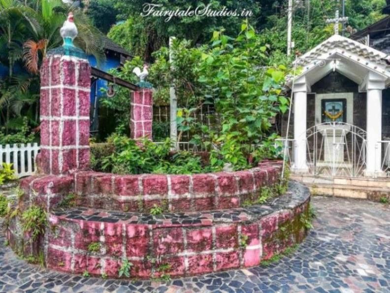 Wishing well at Fontainhas, Goa