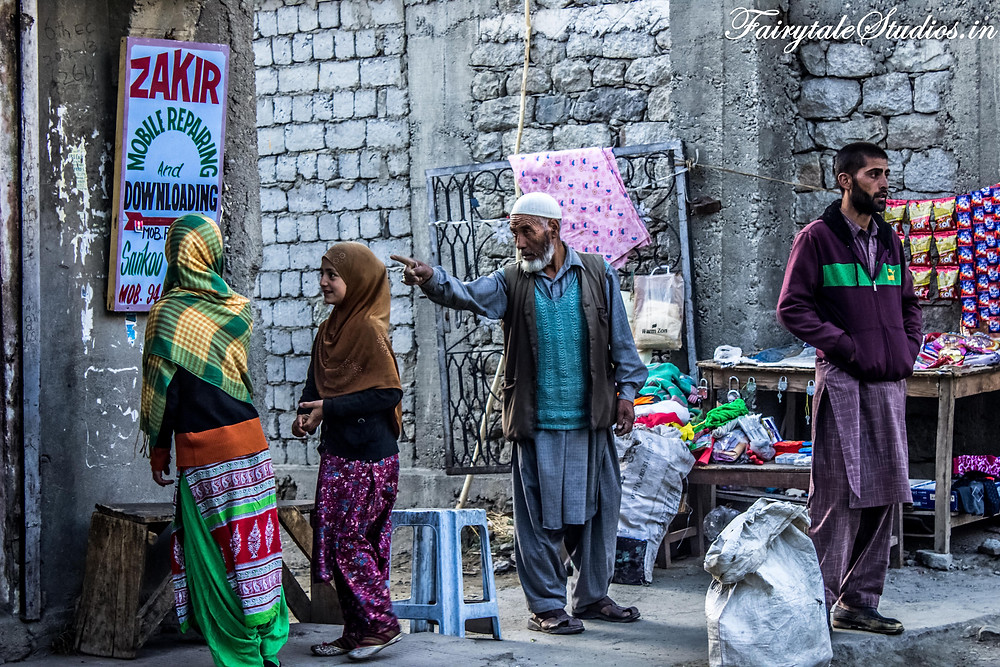 Early morning street photography in Sankoo village near Kargil (The Zanskar Odyssey Travelogue)