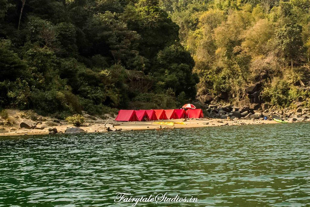 Pioneer Adventures campsite near Shnongpdeng by the Umngot river