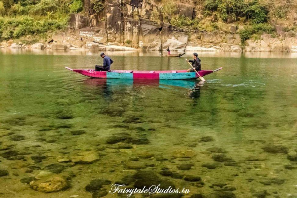 River at Shnongpdeng_Umngot river_Meghalaya Odyssey_Fairytale Photo blogs (4)