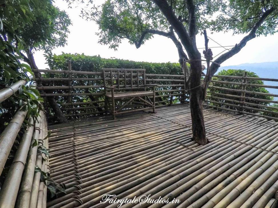 Skyview point at Nohwet near Mawlynnong