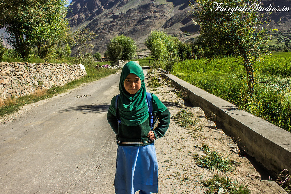 A young girl going to her school near Panikhar (The Zanskar Odyssey Travelogue)