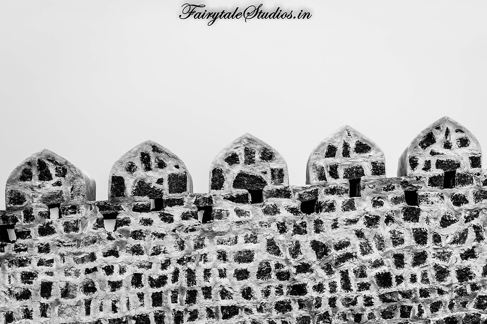 The wall guarding the monolithic rock of Bhongir is still well maintained