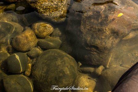 Transparent waters at Shnongpdeng_Umngot river_Meghalaya Odyssey_Fairytale Photo blogs.jpg (7)