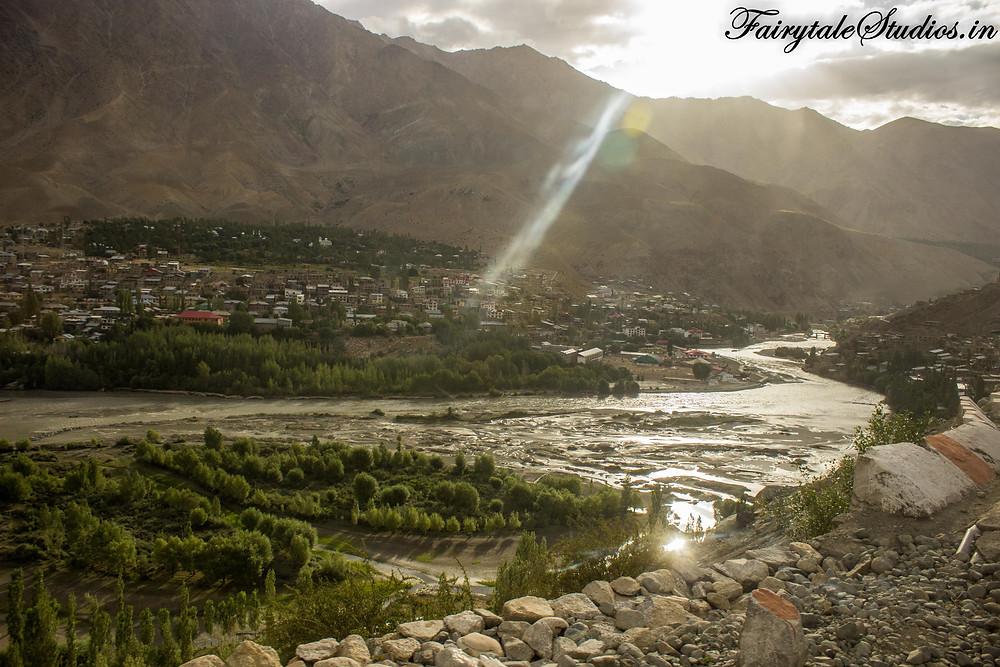 Kargil on the banks of Suru river (The Zanskar Odyssey travelogue)