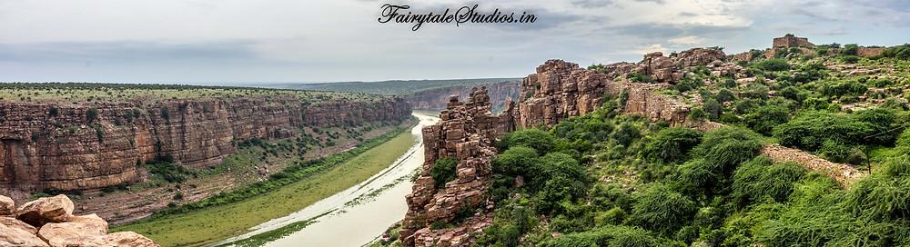 A panoramic view of the grand canyon of India - Gandikota