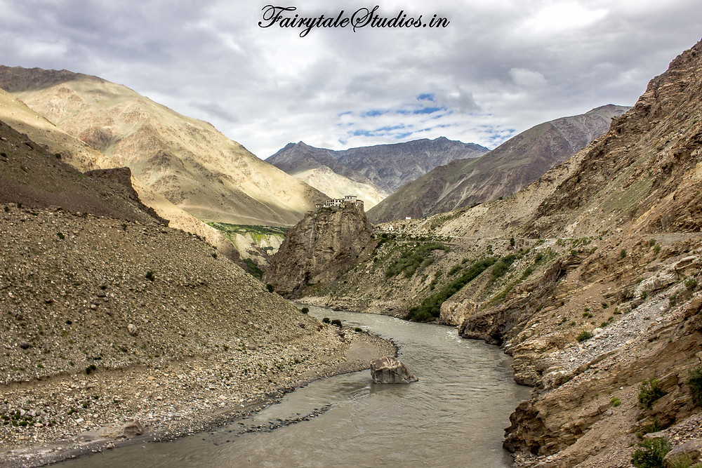 Bardhan Gompa or Monastery built over a small hill besides Tsarap river (The Zanskar Odyssey Travelogue)