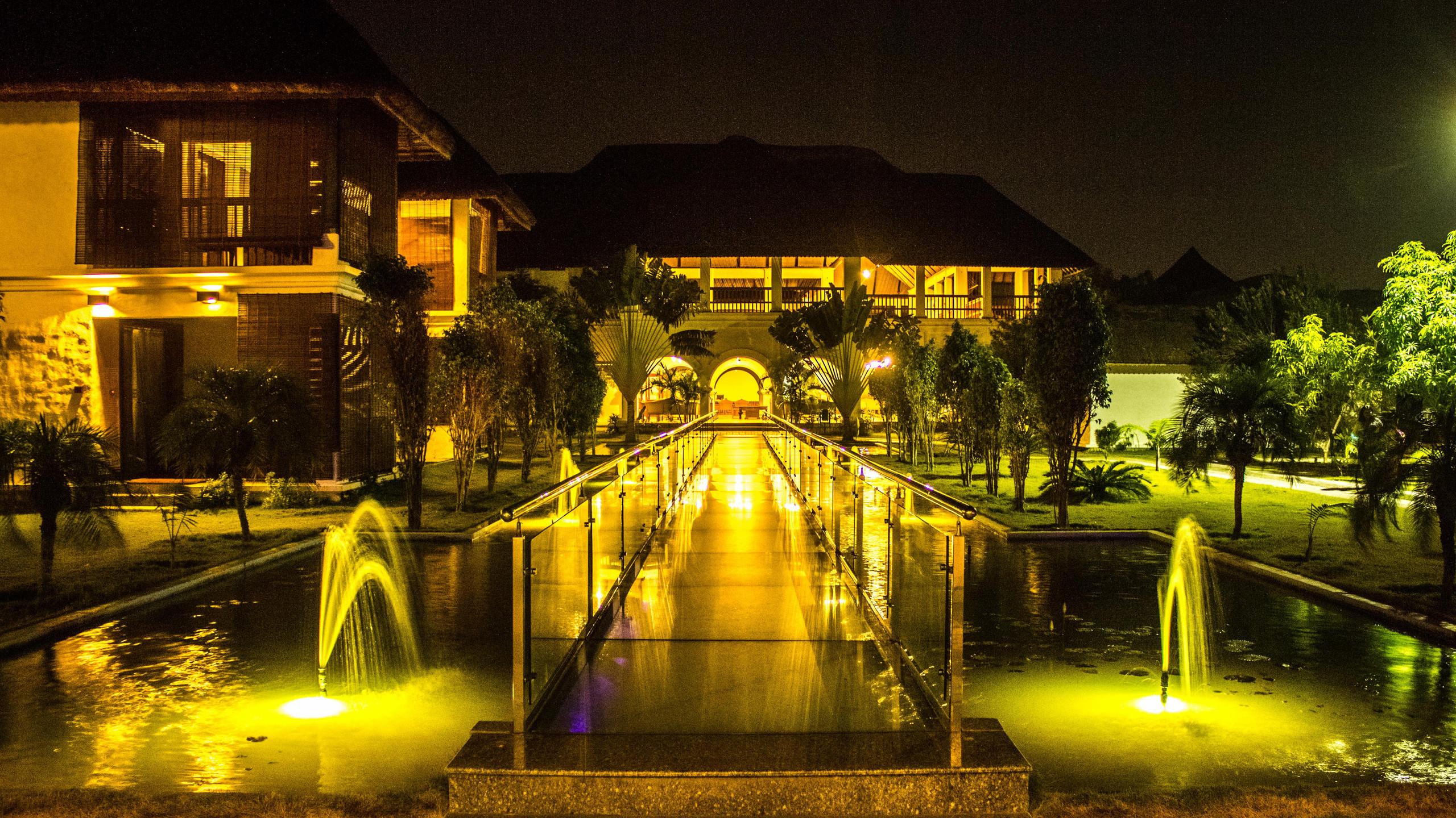 Lighting_Le Pondy_Fairytale Travel Blog (9)