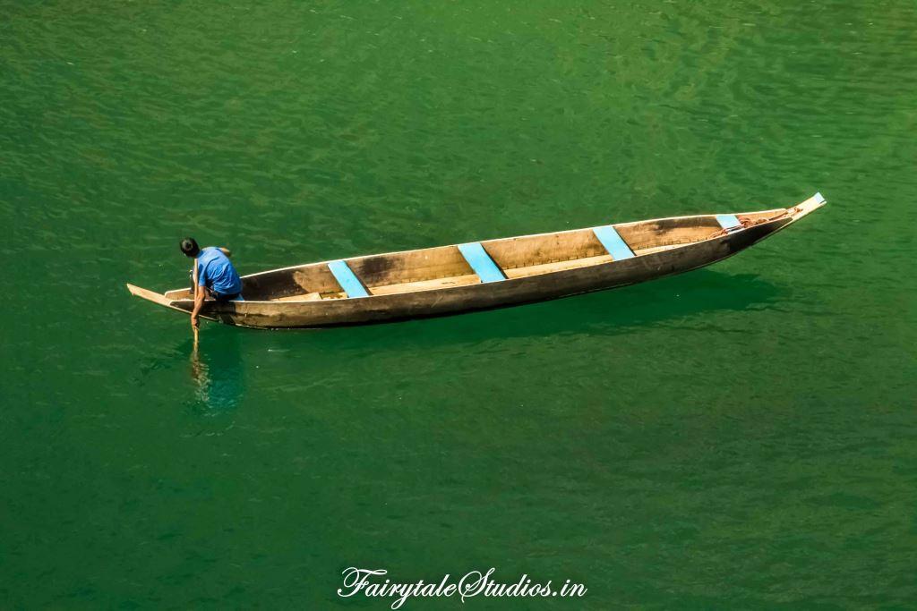 Green hues of river_Umngot river_Meghalaya Odyssey_Fairytale Photo blogs (1)