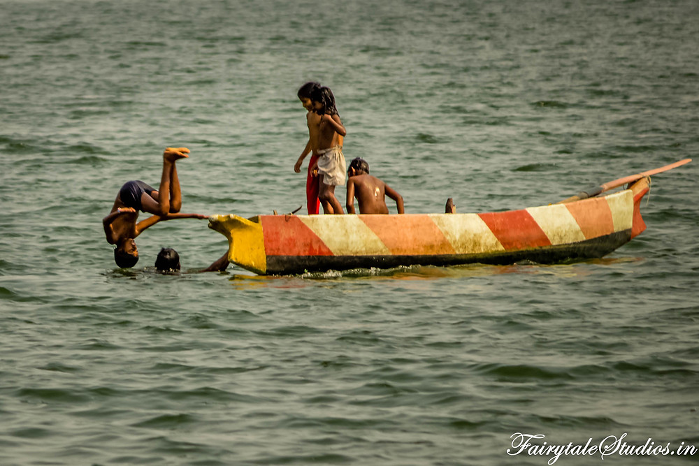 Kids playing in the Krishna river in Vijayawada