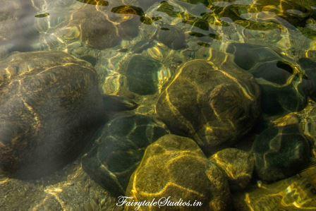 Transparent waters at Shnongpdeng_Umngot river_Meghalaya Odyssey_Fairytale Photo blogs.jpg (3)
