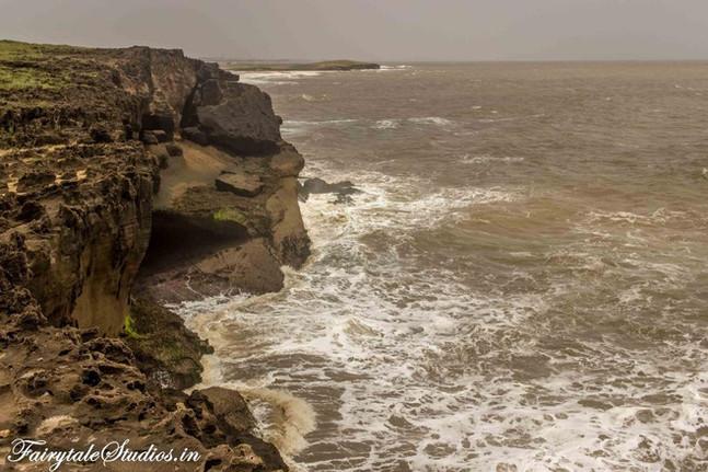 Hidden Cliff_Diu_Fairytale Travels (31)