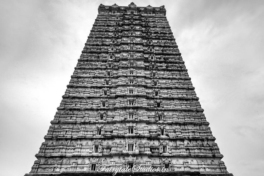 The second tallest Gopuram in the world is another splendid monument you would love in Murudeshwar