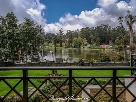 Balcony_The Carlton Kodaikanal_Fairytale Travels (1)