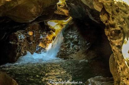 Gachhupani Robbers Cave_Dehradun_Places