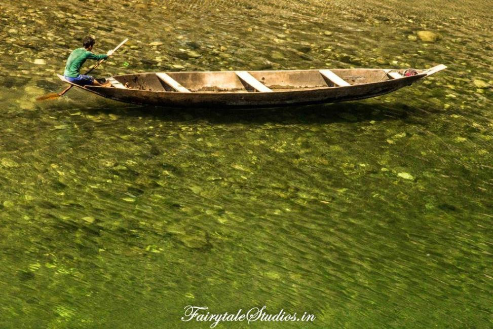 Crystal clear waters of Umngot river in Shnongpdeng