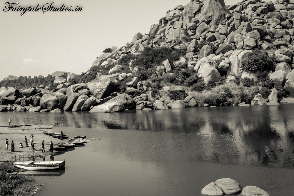 Stones all around in Hampi