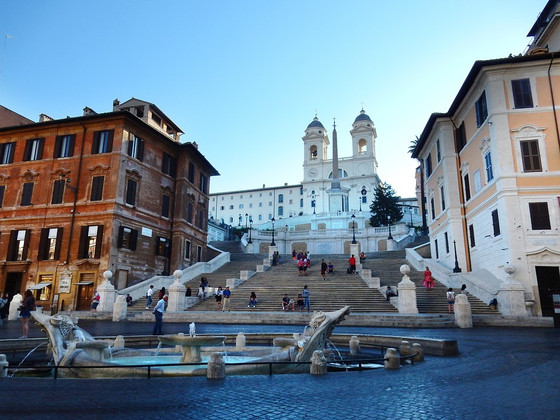 THIRD LETTER FROM ROME: Throwing down the shopping gauntlet in Rome: around the Spanish Steps and Mo