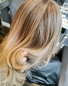honey blonde balayage