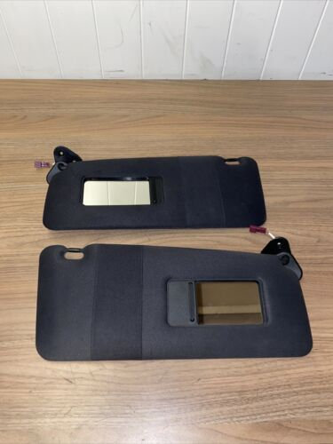 BMW 2003 X5 E53 Pair Left & RIght Front Sun Visors With The Clips