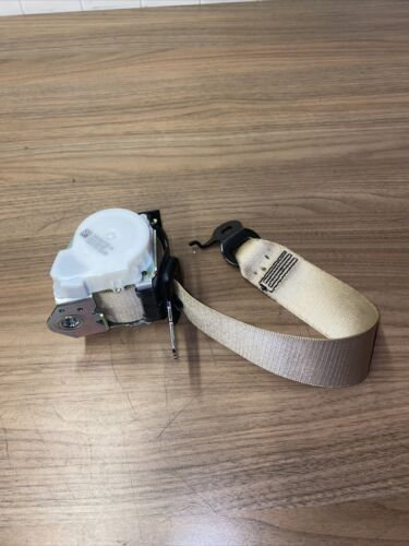 BMW 5 7 SERIES F01 F02 F10 F11 REAR CENTRE MIDDLE SAFETY SEAT BELT 34036732A