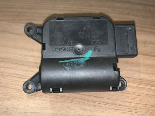 Audi A4 B6 B7 CLIMATE CONTROL FLAP POSITIONING MOTOR FOR TEMPERATURE 8E2820511A