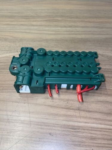 BMW X5 E53 2000-2006 BOOT TRUNK BATTERY POSITIVE CABLE TERMINAL FUSE BOX 8387541