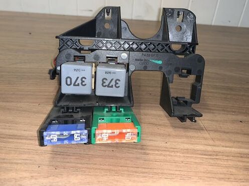 Audi A4 B7 2.0TDI 04-08 FUSE BOX 8E2937503 4DR SALOON