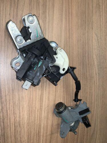 05-08 Audi A4 4DR SALOON TAILGATE LOCK ACTUATOR GENUINE PART NO 4F5827505