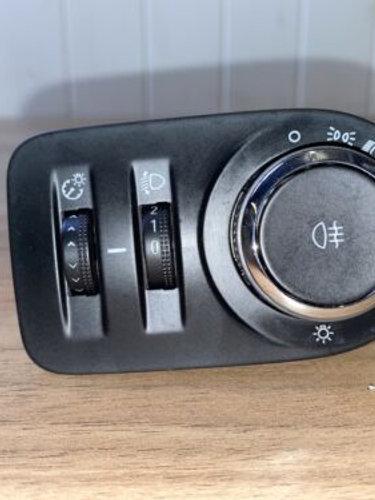 Vauxhall Corsa D Headlight Switch Controls 13310334 78113 2012