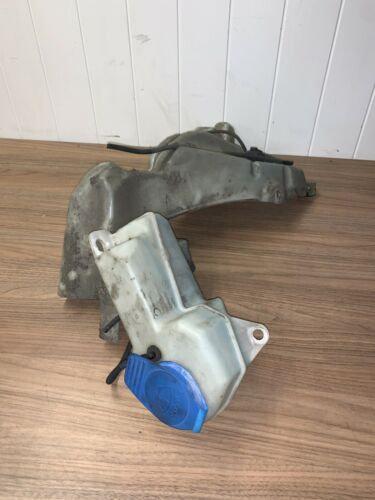 Audi A4 B7 WINDSCREEN WASHER FLUID WATER TANK BOTTLE RESERVOIR 8E0955451AR