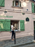 Claudie Russo-Pelosi (Alise) et Charles Garcia (Chick) à La Maison Rose, Paris.