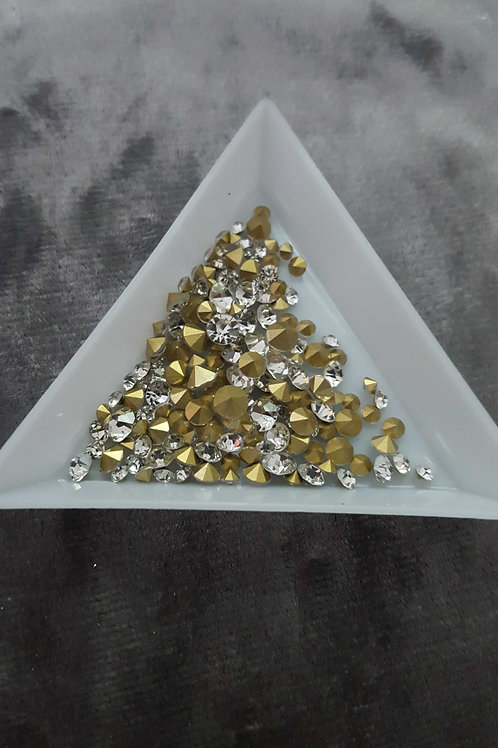 Clear pointed back crystals