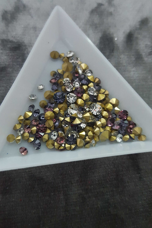 Mixed pointed back crystals