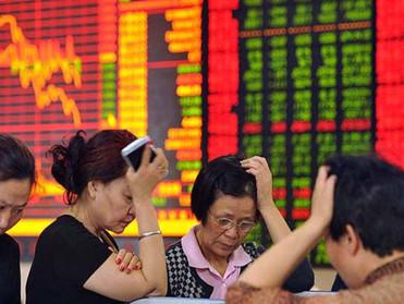 """الصين تحذر من """"تقلبات الأسواق""""حال شطب شركاتها من البورصة الأمريكية"""