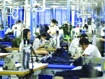 الحرب التجارية تعيد رسم خريطة الإنتاج الصناعي في آسيا