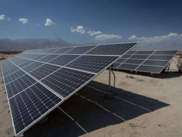وكالة: السعودية تبدأ تقديم قروض لتطوير مشاريع الطاقة المتجددة