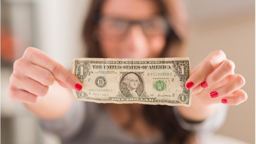 20150908162833-one-dollar-money-woman-ceo-boss