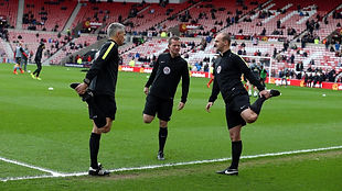 Bobby_Madley_and_assistants_warming_up.J