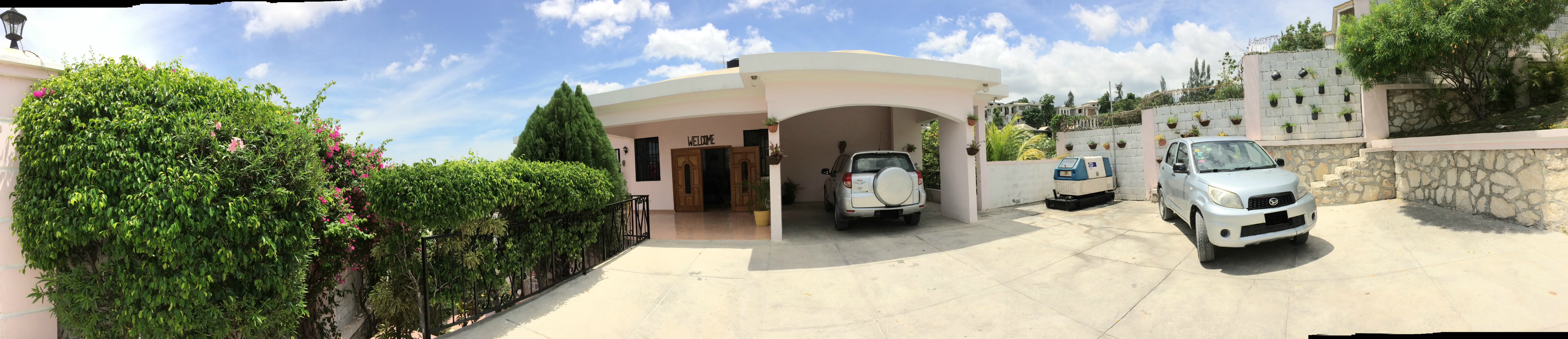 Main Entrance of Karibuni Guest Hous