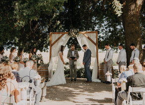 WHY YOU SHOULD HAVE AN UNPLUGGED CEREMONY