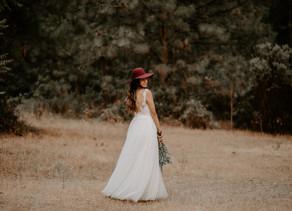WOODSY STYLED BRIDAL PHOTOSHOOT